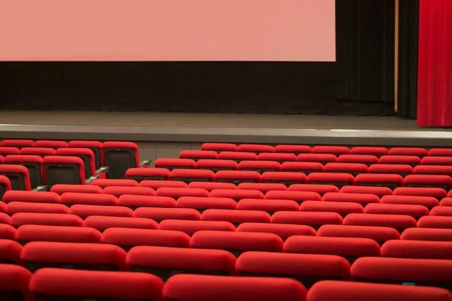 既婚男性と映画を見ること