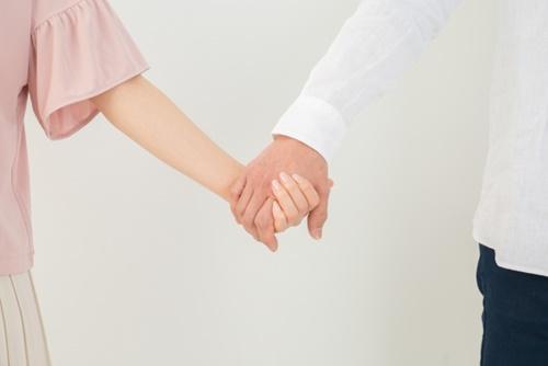 既婚者の男性が恋人繋ぎをしてくる心理